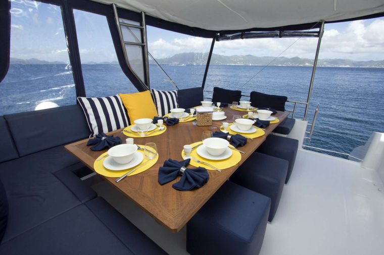 NENNE Yacht Charter - Evening Dining on Nenne