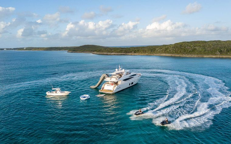 LADY COPE Yacht Charter - Toys