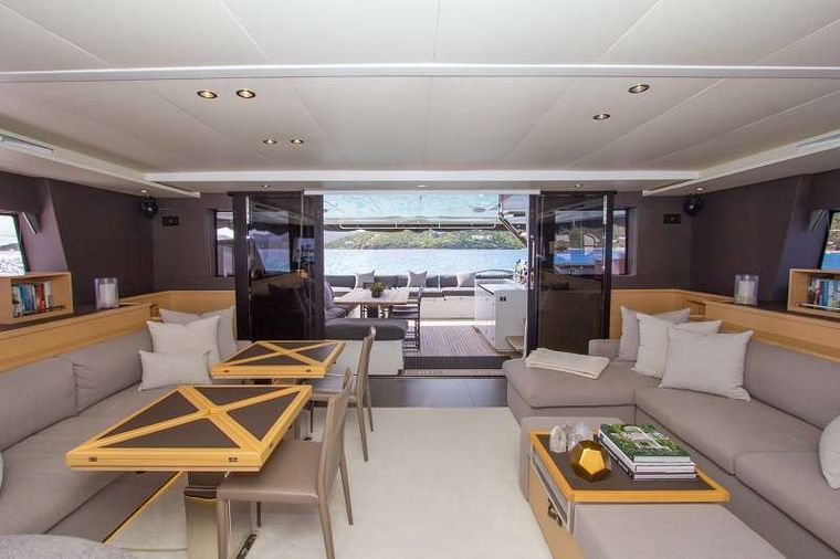 LE REVE L620 ESSENCE Yacht Charter - Indoor outdoor living