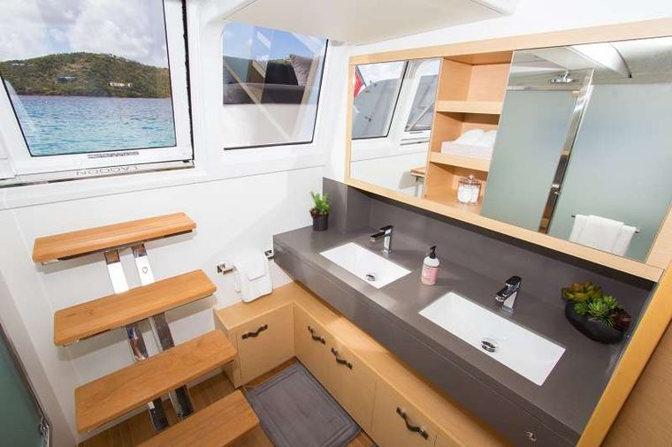 LE REVE L620 ESSENCE Yacht Charter - His and Her Sinks in Master