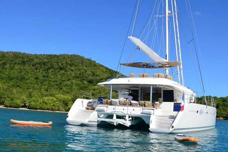 BACCHUS Yacht Charter - aft view