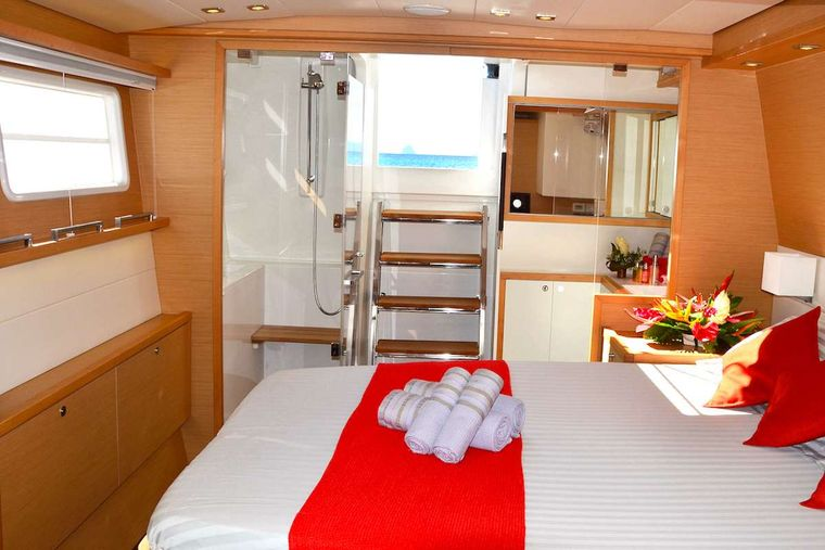 BACCHUS Yacht Charter - owner cabin