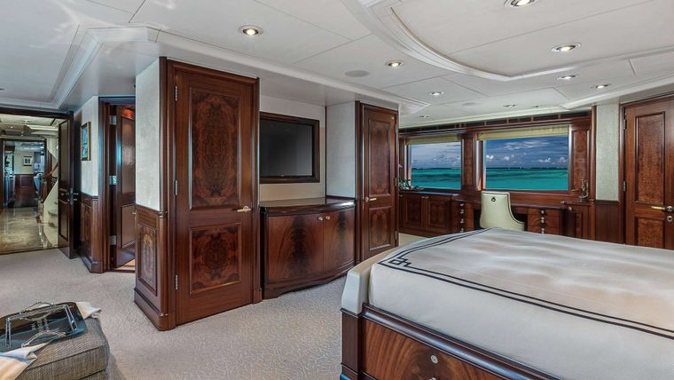 AVALON Yacht Charter - Master Suite