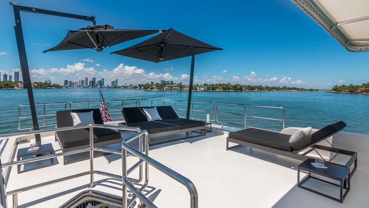 Nirvana Yacht Charter - Flybridge Rear Sunpad Seating