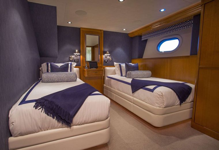 FAR NIENTE Yacht Charter - Twin Guest Stateroom