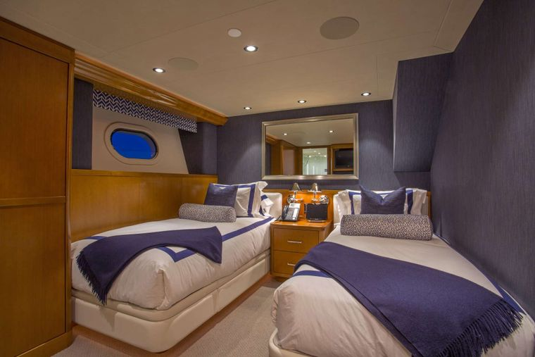 FAR NIENTE Yacht Charter - Twins (convert to a King) Guest Stateroom