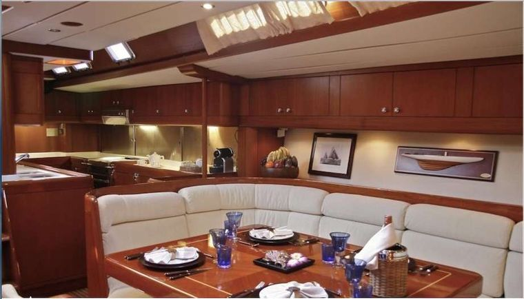 ASPIRATION Yacht Charter - Indoor A/C Dining