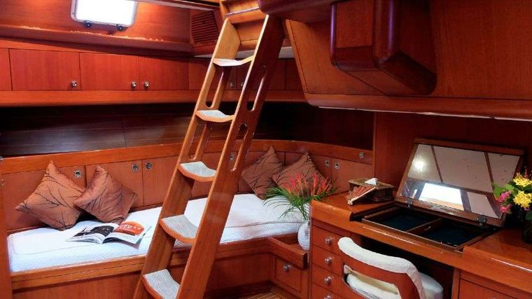 ASPIRATION Yacht Charter - Master Cabin Private outdoor access