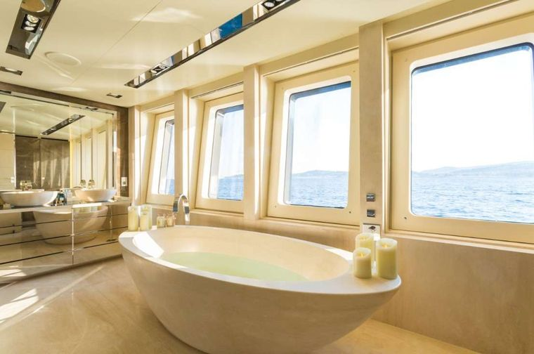 Icon Yacht Charter - Master Ensuite
