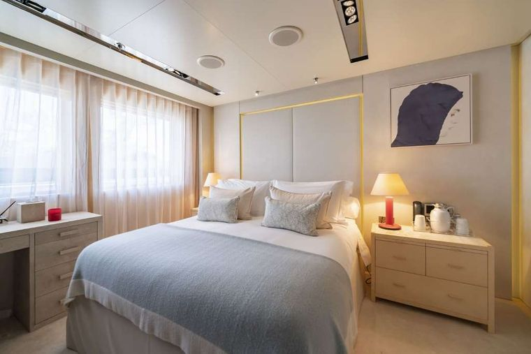Icon Yacht Charter - Double Cabin - Upper Deck