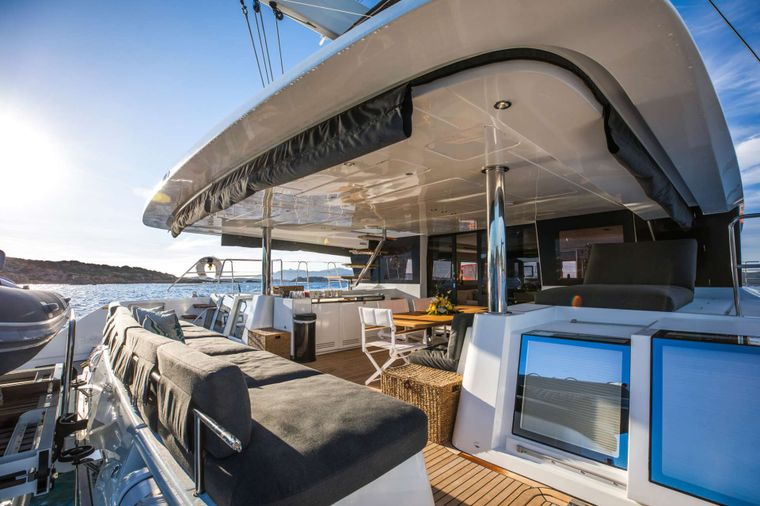 LADY FIONA Yacht Charter - Aft deck