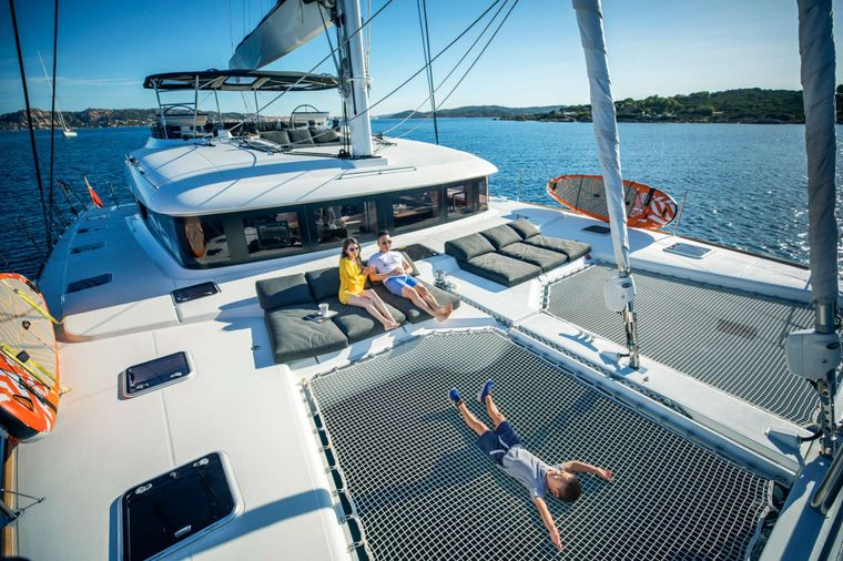 LADY FIONA Yacht Charter - Front Deck