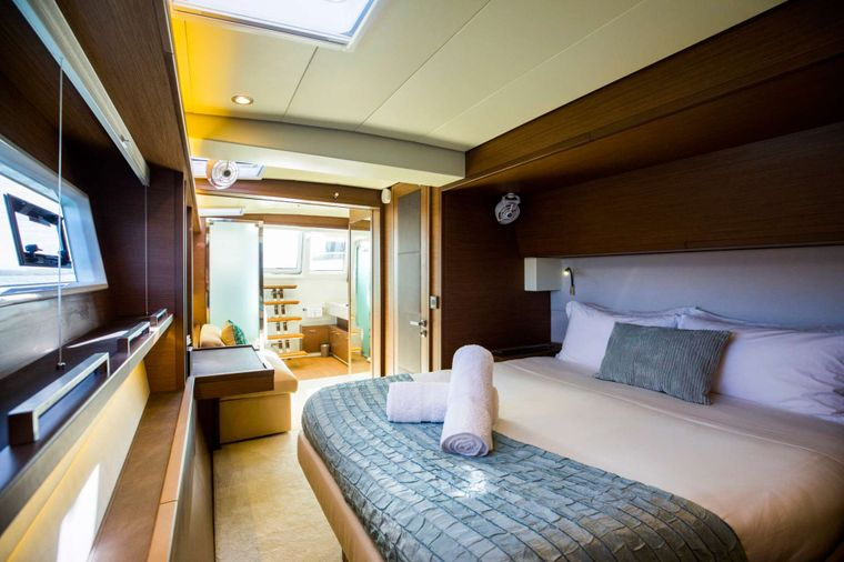 LADY FIONA Yacht Charter - Master Cabin