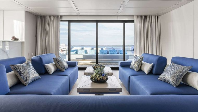 MAYRILOU Yacht Charter - Bright & spacious saloon