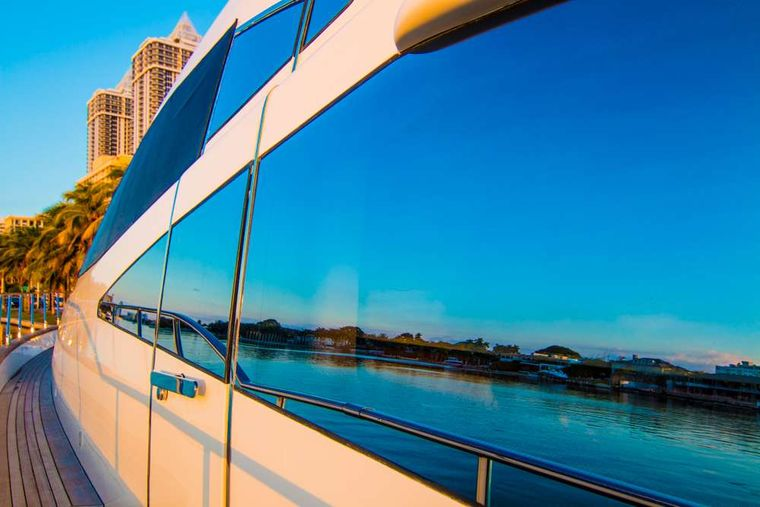 DREAMER Yacht Charter - Profile close up