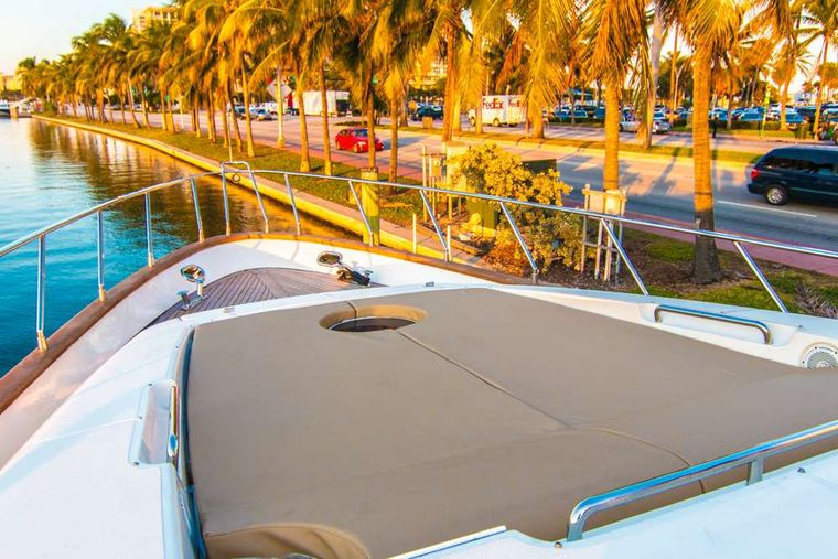 DREAMER Yacht Charter - Bow pads