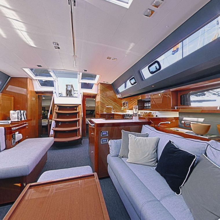 OCEAN STAR Yacht Charter - Saloon looking aft