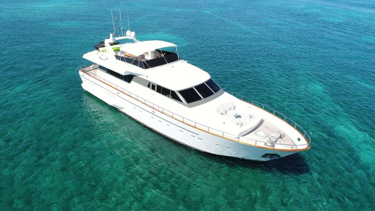 EVEREST Yacht Charter - Ritzy Charters