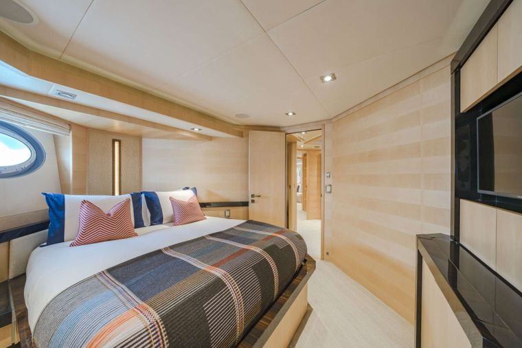 KJOS Yacht Charter - Guest stateroom