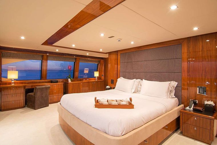PATHOS Yacht Charter - Master Suite