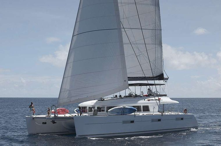DREAM ROQUES Yacht Charter - Ritzy Charters