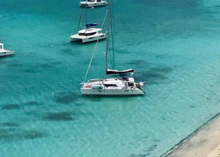 GAMBIT Yacht Charter - Clear water and white sand