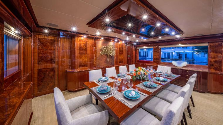 LADY LEILA Yacht Charter - Formal Dining
