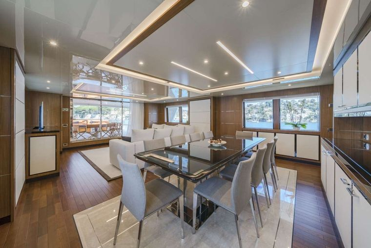 Fiorente Yacht Charter - Dining