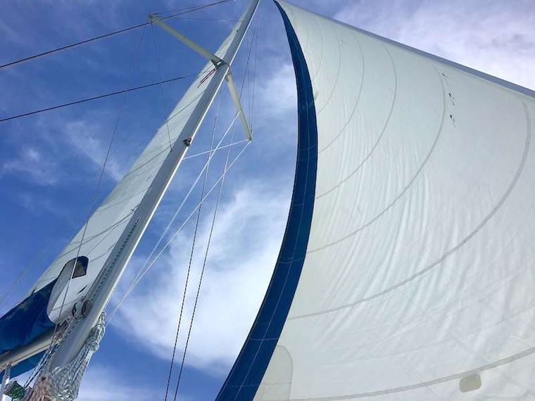 THE SPACE BETWEEN Yacht Charter - Sail Away!