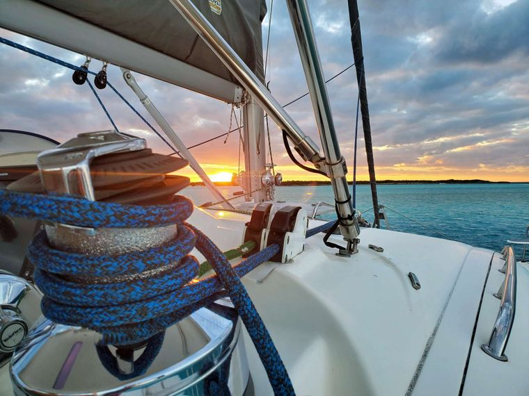 THE SPACE BETWEEN Yacht Charter - Beautiful Views