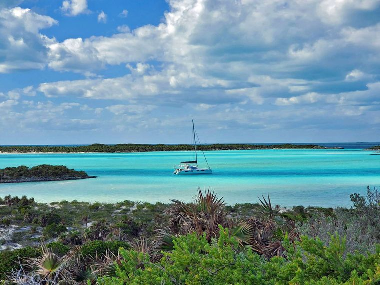 THE SPACE BETWEEN Yacht Charter - The Trip of a Lifetime...
