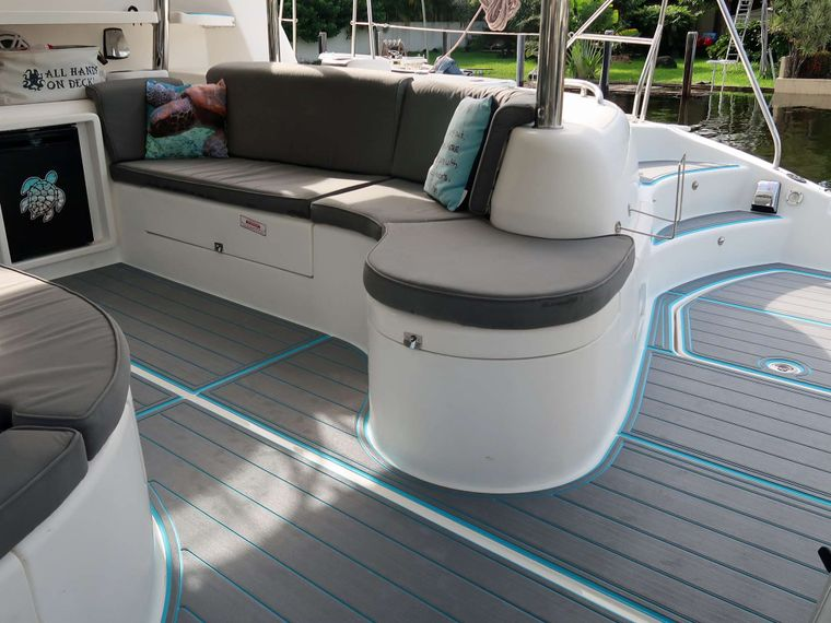 THE SPACE BETWEEN Yacht Charter - Aft Deck Seating Area
