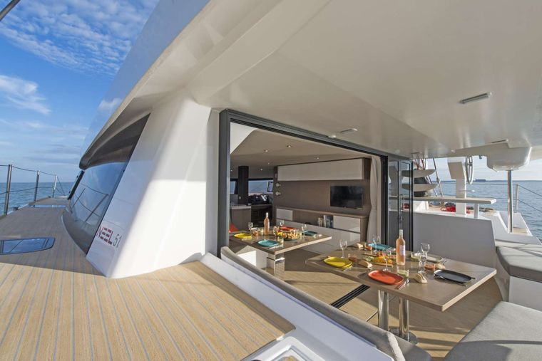 TRILOGY Yacht Charter - Fantastic Exterior Dining Experience