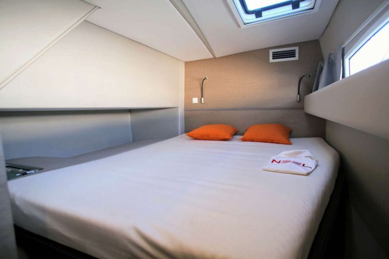TRILOGY Yacht Charter - Guest Cabin