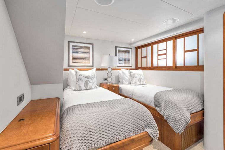 VALHALLA Yacht Charter - Twin Convertible Guest Stateroom