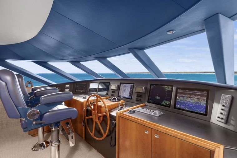 VALHALLA Yacht Charter - Pilothouse