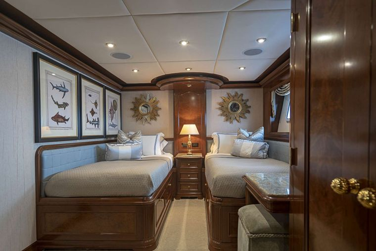 AQUASITION Yacht Charter - Twin guest stateroom