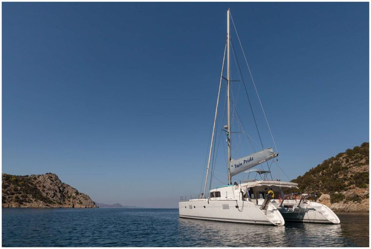 TWIN PRIDE Yacht Charter - Ritzy Charters