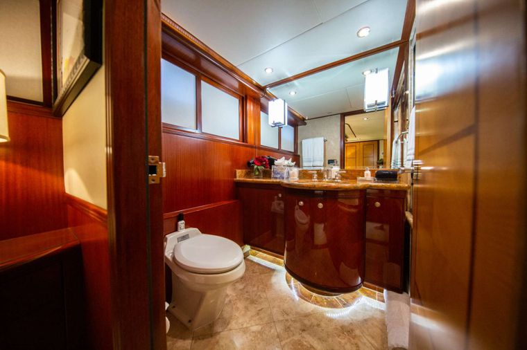 Just Enough Yacht Charter - Guest Bathroom