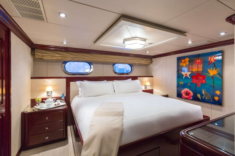 Lady Joy Yacht Charter - VIP King Guest Stateroom