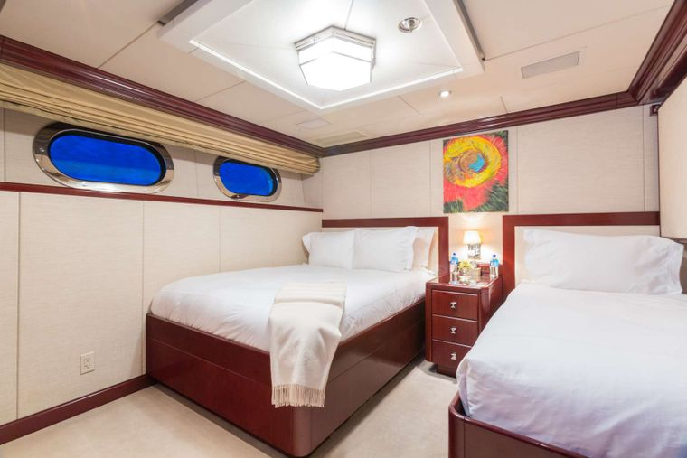 Lady Joy Yacht Charter - Guest Stateroom with 1 Double, 1 Single and a pullman