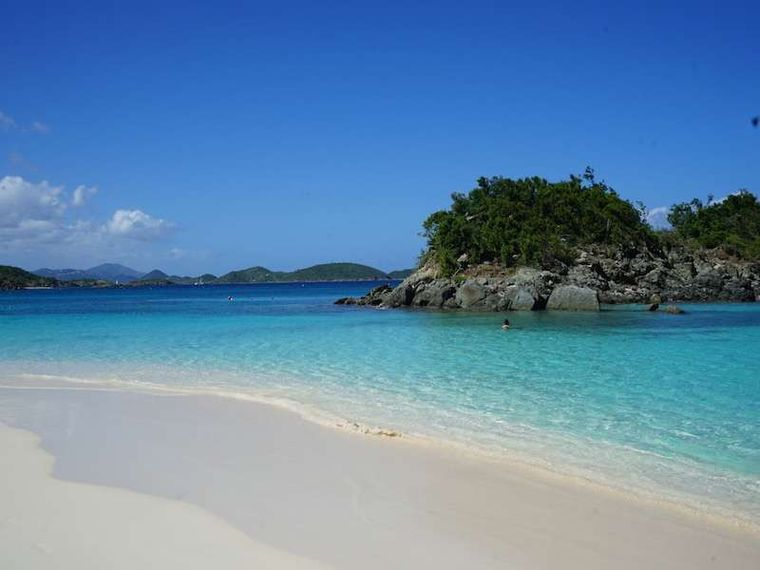 ALLADORA Yacht Charter - Turquoise Water