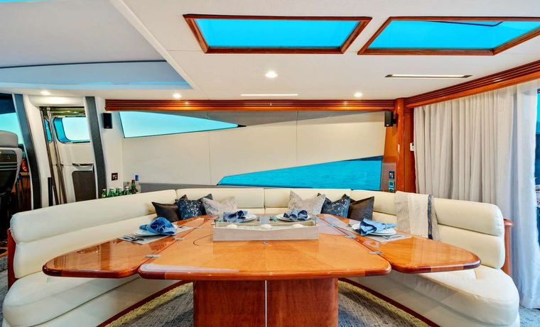 PRIVEE Yacht Charter - Dining