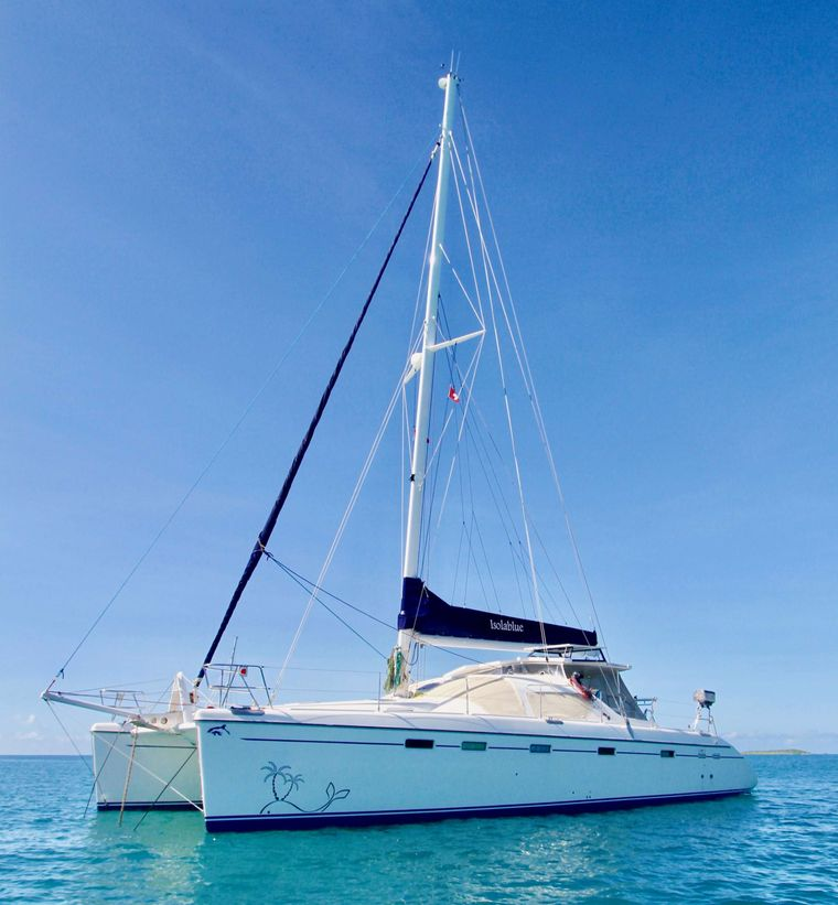 ISOLABLUE Yacht Charter - Ritzy Charters