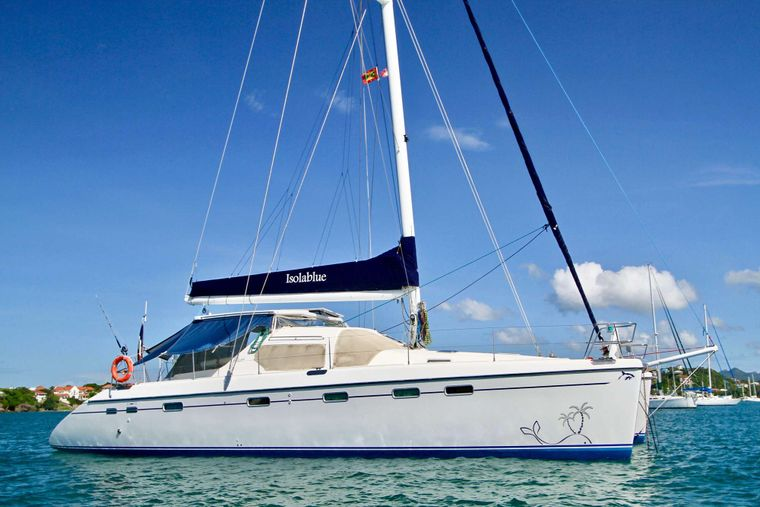 ISOLABLUE Yacht Charter - Side View