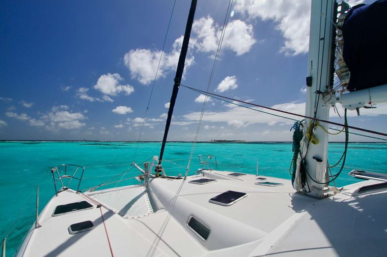 ISOLABLUE Yacht Charter - Beautiful Caribbean waters