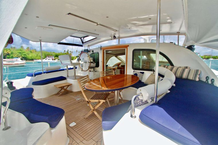 ISOLABLUE Yacht Charter - Aft Deck and Cockpit