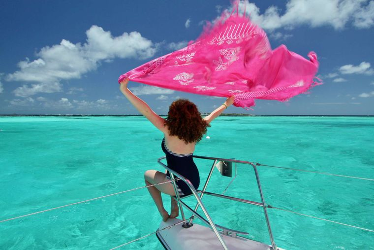 ISOLABLUE Yacht Charter - Guests feeling well