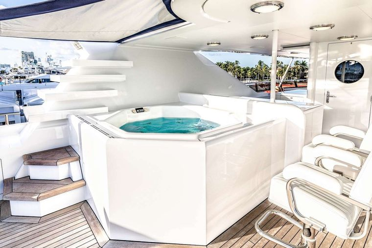 NEVER ENOUGH Yacht Charter - Jacuzzi