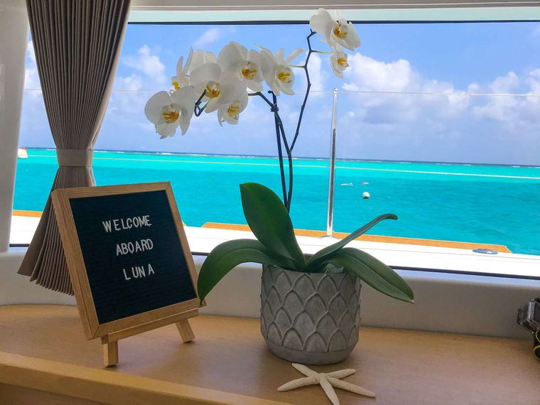 LUNA Yacht Charter - Welcome to island life.